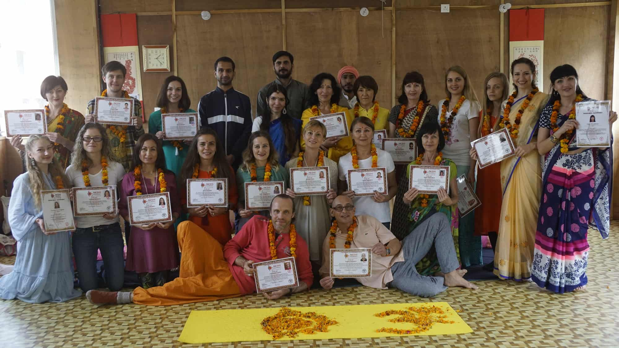 200 hr yoga teacher in rishikesh